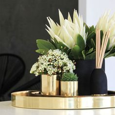Up-cycle our pure copper and brass Cocolux candle vessels and a planter of vase. Up-cycle our pure copper and brass Cocolux candle vessels and a planter of vase. Decoration Entree, Tray Decor, Coffee Table Styling, Decorating Coffee Tables, Coffee Table Decorations, Home Decor Accessories, Decorative Accessories, Coffee Table Accessories, Table Decor Living Room