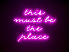 Leuchtschrift im Club, Brand Identity Alice Choo Club, Brand Identity, Alice, Neon Signs, Restaurant, Lightning, Ios, Events, Interior