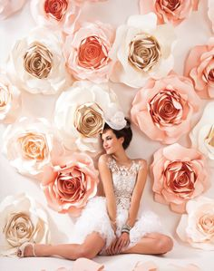 Oversized Paper Roses Backdrop in White and Rose Quartz – shared by Modern Luxury Brides California Paper Flower Decor, Paper Flowers Wedding, Paper Flower Backdrop, Wedding Paper, Paper Decorations, Flower Decorations, Wedding Decorations, Giant Paper Flowers, Diy Flowers