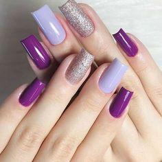 Chic Nails, Stylish Nails, Subtle Nail Art, Essie Nail Colors, Nail Art Stripes, Elegant Nail Designs, Nail Art Designs Videos, Glamour Nails, Nail Designer