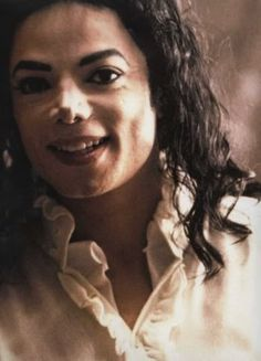 Janni Tholstrup Jorgensen uploaded this image to 'Michael Jackson - HIStory Era'. See the album on Photobucket. Michael Jackson Ghosts, Michael Jackson Smile, Michael Jackson Wallpaper, Harry Benson, Ghost Photos, King Of Music, Jackson Family, The Jacksons, American Singers