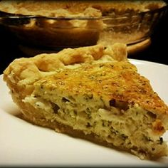 Quiche: Crab and Cheddar Quiche - http://mamischa.com/quiche-crab-and ...