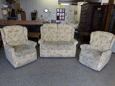 Patterned Two seater sofa with two matching armchairs, one armchair reclines ---------------- £95 (pc757)