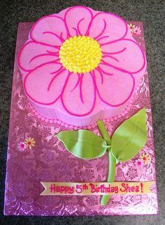 Pink flower cake