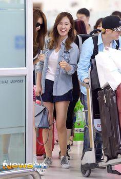 SNSD Yuri airport fashion July 2014