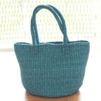 Simple and easy-to-use bag woven from abaca material.  Since the color of the tint is well beautiful color, must-have item that will plus a sense of fashion to the casual style of the summer!   Viva La Vida ABACA arc bottom bag  http://kanden43.jp/?pid=15