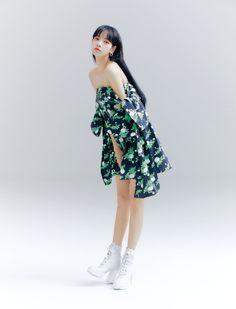 Blackpink Lisa for Allure Korea June Issue 💫🌟✨ Lisa Black Pink, Black Pink Kpop, Jennie Lisa, Blackpink Lisa, Blackpink Fashion, Fashion Outfits, Jenny Kim, Estilo Indie, Lisa Blackpink Wallpaper