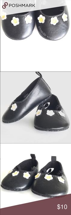 Infant Daisy Ballet Flats Adorable Infant Ballet Flats with little daisies on the toe, NWOT , Size 3-6 months, Smoke Free Home Shoes Baby & Walker