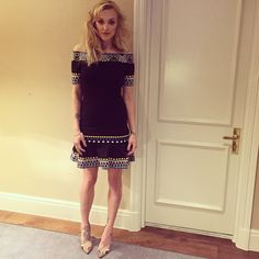 Fearne Cotton wearing a Peter Pillotto dress Fearne Cotton, Fashion Idol, Outfit Combinations, Classic Outfits, Cotton Style, Her Style, Celebrity Style, Fashion Accessories, Short Sleeve Dresses