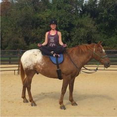 Yoga on Horseback - Neatorama