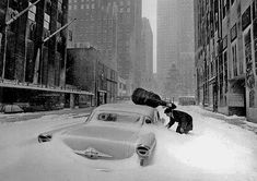 Robert-Doisneau-Snow-in-NY.jpg