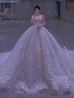 Ballroom Wedding Dresses, Wedding Dress With Veil, Dream Wedding Dresses, Princess Ball Gowns, Princess Outfits, Princess Wedding Dresses, Royal Dresses, Quince Dresses, Ball Dresses