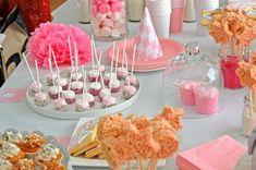 anniversaire thème carrousel manège petits chevaux Carrousel, Cake, Desserts, Food, Tailgate Desserts, Deserts, Food Cakes, Eten, Cakes