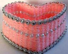 How-to-DIY-Yarn-Woven-Heart-Shaped-Basket-5.jpg