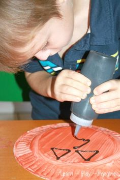 Simple Paper plate pumpkin crafts for kids