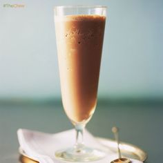 Chilled Hot Chocolate with Caramel Sauce by Daphne Oz and Carla Hall - This inventive treat is begging to be served with a scoop of ice cream. Slushy Alcohol Drinks, Non Alcoholic Drinks, Yummy Drinks, Cocktails, Cold Drinks, Beverages, The Chew Recipes, Sweet Recipes, Snack Recipes