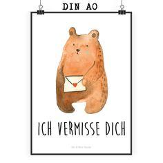 """Poster DIN A0 Liebesbrief-Bär aus Papier 160 Gramm  weiß - Das Original von Mr. & Mrs. Panda.  Jedes wunderschöne Poster aus dem Hause Mr. & Mrs. Panda ist mit Liebe handgezeichnet und entworfen. Wir liefern es sicher und schnell im Format DIN A0 zu dir nach Hause. Das Format ist 841 mm x 1189 mm.    Über unser Motiv Liebesbrief-Bär  Unser süßer Sehnsucht-Bär hat nur eine Botschaft in seinem kleinen Liebesbrief: """" Ich vermisse dich!""""      Verwendete Materialien  Es handelt sich um sehr…"""