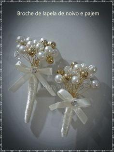 Lapelas com pérolas, cristal e bolinhas douradas no fio dourado e acabamento em cetim off-white e strass.  Compra acima de 5 unidades, há um desconto de 10%. R$ 40,00