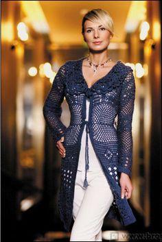 Casaco em crochet azul marinho com esquema e receita em francês