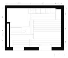 Le studio de design basé à Berlin Spamroom et Jean-Paul Coss on réalisé la rénovation de cet appartement de 21 m² (226 pi²) se trouvant dans un bâtiment