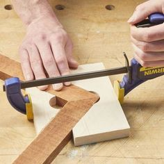 Fine Woodworking Projects How to Make Miter Joint Clamps.Fine Woodworking Projects How to Make Miter Joint Clamps Easy Woodworking Projects, Woodworking Techniques, Popular Woodworking, Woodworking Furniture, Fine Woodworking, Woodworking Basics, Woodworking Classes, Rockler Woodworking, Woodworking Workshop