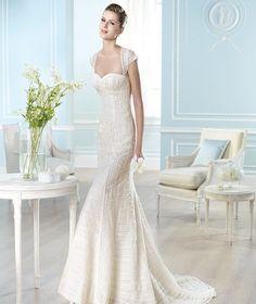 St. Patrick Off White Lace Hafida Modern Dress Size 10 (M)