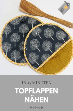 Topflappen nähen in 15 Minuten You are in the right place about topflappen stricken anleitung Here w Beginner Knitting Projects, Sewing Projects For Beginners, Knitting For Beginners, Easy Knitting, Stitch Crochet, Diy Couture, Patchwork Quilting, Upcycled Crafts, Baby Knitting Patterns