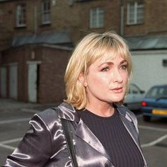 Caroline Aherne is recovering from lung cancer Gone Too Soon, British Comedy, Lunges, Famous People, Tv Shows, Nude, Lung Cancer, Memories