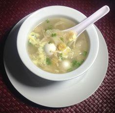 Vietnamese soup: Bong bóng cá! Vietnamese Soup, Vietnamese Recipes, Crab Soup, Tropical Fruits, Hot Pot, Fish Sauce, Lemon Grass, Soup And Salad, Pho