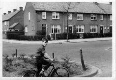 De Varenstraat omstreeks 1965 vanaf de Myrthestraat.