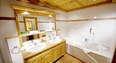 US$155 Located in the village of Going am Wilden Kaiser, Familien-Wellnessresort Seiwald offers a luxurious spa area including large indoor and outdoor pools.