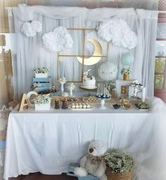 70 Ideas to Decorate Home For a Baby Shower? - Baby Shower , 70 Ideas to Decorate Home For a Baby Shower? Sky Inspired Baby Shower Decoration for Boys Baby shower themes. Décoration Baby Shower, Bebe Shower, Mesas Para Baby Shower, Cloud Baby Shower Theme, Baby Shower For Boys, Girl Shower, Baby Shower Decorations For Boys, Baby Shower Centerpieces, Babyshower Themes For Boys