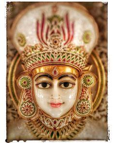 Lord Mahaveera - 24th Tirthankar Bhagwan Buddhist Art, Indian Gods, Art Drawings Sketches, Figurative Art, Spirituality, Lord, Princess Zelda, Community, Paintings