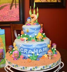 I had the pleasure of making a Bubble Guppies Cake...