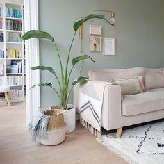 Binnenkijken bij Sheila - My Simply Special Pastel Living Room, Paint Colors For Living Room, New Living Room, Home And Living, Living Room Decor, Bedroom Wall Colors, Aesthetic Room Decor, Living Room Inspiration, Living Room Designs