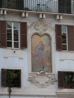 Painting of the Virgin Mary on an apartment building in Rome. Photo by Mary K Doyle Brodien