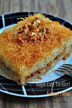 Kadayıf Tatlısı Tarifi – Amazing World Food and Recipes Turkish Recipes, Italian Recipes, Ethnic Recipes, Greek Cooking, Cooking Time, Baklava Recipe, Turkish Sweets, Light Snacks, Best Breakfast Recipes