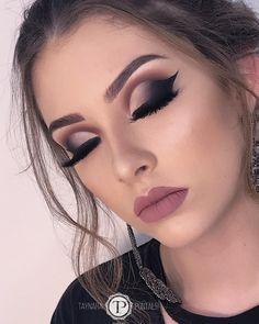 Dramatic Spring Makeup Looks You Wish to Wear this Season! Makeup Trends, Makeup Inspo, Makeup Inspiration, Makeup Ideas, Makeup Is Life, Makeup Goals, Glam Makeup Look, Beauty Makeup, No Eyeliner Makeup