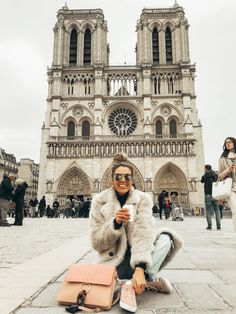 Winter fashion sunglasses in Paris in front of Notre Dame Cathedral discountedsunglas. Source by fashion paris Paris Pictures, Paris Photos, Travel Pictures, Travel Photos, Paris Travel, France Travel, Hotel Des Invalides, Hello Fashion Blog, Paris Outfits