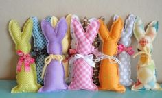 Conejitos de Pascua en Tela | Aprender manualidades es facilisimo.com