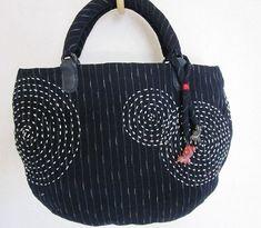 「にゃん」の針しごとの画像 エキサイトブログ (blog) Japanese Patchwork, Patchwork Bags, Quilted Bag, Japanese Bags, Sashiko Embroidery, Learn Embroidery, Japanese Embroidery, Boro, Art Bag