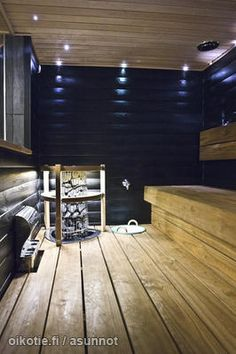 Blue-walled sauna / Siniseinäinen sauna--wonder if AJ will let me paint our sauna. Scandinavian Saunas, Sauna Lights, Decorating Your Home, Interior Decorating, Sauna Design, Finnish Sauna, San Diego, Spa Rooms, Steam Room
