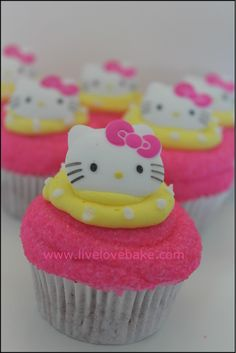 Hello Kitty Cupcakes - I like the pink & yellow