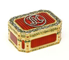 Antique French snuffbox by Joseph-Etienne Blerzy. Enamel and rose-cut diamonds. Kansas City Museum, Box Art, Art Boxes, The V&a, Victoria And Albert Museum, Little Boxes, Casket, New Shows, Belle Epoque