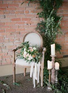Pretty decor: http://www.stylemepretty.com/little-black-book-blog/2015/04/02/organic-elegant-wedding-inspiration/ | Photography: Almond Leaf - http://almondleafstudios.com/