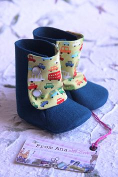 These baby booties are handmade from the finest felt which is 100% wool and extremely soft to the touch. They will keep your baby's feet comfy