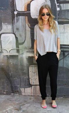 Joggers and jogger pants are perfect for lazy girl outfits that still look polished!