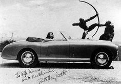 Alfa Romeo. Cadeau d'Ali Khan à Rita Hayworth pour leur mariage. http://www.ina.fr/video/AFE85003088/les-preparatifs-du-mariage-d-ali-khan-et-de-rita-hayworth.fr.html