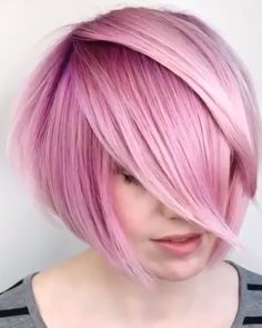 Keeping Up With The Latest Short-Hair Trends Mit den neuesten Kurzhaartrends Schritt halten 90s Grunge Hair, Soft Grunge Hair, Hair Color Dark, Cool Hair Color, Green Hair, Hair Color Purple, Hair Colorful, Short Hair Trends, Latest Hair Trends