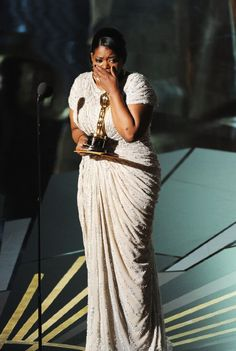 Octavia Spencer wins Best Actress in a supporting role Oscar in The Help Academy Award Winners, Oscar Winners, Academy Awards, Les Oscars, Octavia Spencer, Oscar Fashion, Actor Studio, Best Actress, Classic Hollywood